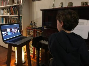 La clase de piano de Felipe - Foto: Lorena Verzero