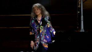 Martha Argerich en Hamburgo, fin de concierto.